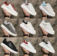 2020 Обувь для мужчин Женщины Модные платформы Кроссовки Тройная черная белая кожаная замша мужская удобная плоская повседневная обувь