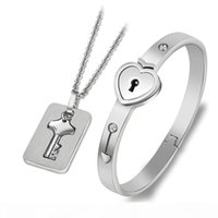 New Fashion Couples Jewelry 2pcs Stainless Steel Silver Love Heart Lock Bangle Bracelet Matching Key Tag Pendant Necklace Couple Set