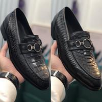 2020 pattini di vestito dal Mens adattano in cuoio goffrato Snake Crocodile Stampa metallo decorazione del tasto Oxford formali da sposa Scarpe Uomo