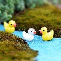 Pato amarelo da fada do jardim Miniatures ornamento Início Boneca Toy Pingente Moss Lichen Micro paisagem natural Resina Artes Artesanato Presentes