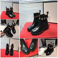 Женщины дизайнерские сапоги Мартин пустынный ботинок фламинго любовь стрелка кожаные медали грубые нескользящие зимние туфли размером от 36 до 41