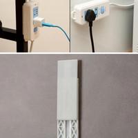 DHL Schlags Gratis-Plug-Aufkleber-Halter Wand Fixer Power Strip Halter Speichersockel Wandhalter Regalständer Halter Stecker Haken