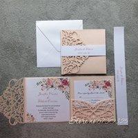 Tarjetas de felicitación 1fullset light Pink Papel Papel Láser Tarjeta de invitación de boda con cinta Suministros de fiesta de decoración personalizada