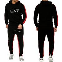 2020 디자인 남성 패션 트랙 슈트 캐주얼 스포츠 슈트 남성 후드 스웨터 스포츠웨어 2 조각 코트 + 바지 남자 세트