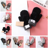Inverno luvas de malha com linda bola de pele luvas Label Austrália Designer Mitten Mulheres Mitts Outdoor Quente Luva Glove Presentes