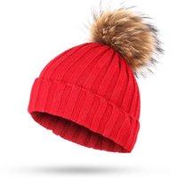 las mujeres calientes del invierno de espesor 15 colores reales de piel de mapache pompom sombrero rojo casquillo del Knit femenina borla con pom pom dama de piel gorrita bola de pelo