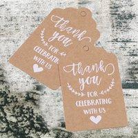 Tarjetas de felicitación 50pcs / pack Vintage Blanco Cordón impreso Regalo de papel Kraft Fiesta de boda Invitación Tag carta Decoración
