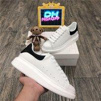 Top Quality Alexander McQueen Men Donna Genuine Pelle Designer Scarpe Modo Modo Velluto all'aperto Falt Sneaker Platform Platform Casual Trainer Designer Sneakers