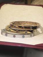 Золото из нержавеющей стали Золото или платиновое покрытие Zircon Love Bangle Valentine's Day подарочные браслеты мужские и женские ювелирные изделия браслет подарки с коробкой