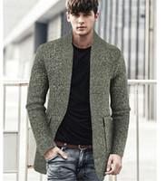 Mens Baseball-Ausschnitt Pullover Mäntel Herbst-Winter-dünne Normallack-Tasche von mittlerer Länge Jacken Mann High Fashion Strickjacke