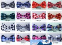 Cravatte degli uomini Bowties nuovi uomini di modo di alta qualità di arrivo lega cravatte da uomo Molti di stile abito da sposa sposo papillon T01