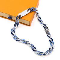 Collar de hombre más vendido Collar de titanio de acero inoxidable para hombre Diamond Letra Collar Accesorios de Moda Suministro