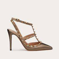 (Caja original) Diseñador Puntos de punta puntiaguda Bombas Remaches de cuero genuino Sandalias Sandalias Tachuelas Strapegradas Zapatos de Vestido de San Valentín Zapatos de tacón alto