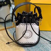 Kadın Tote Çantalar Kova Çanta Omuz Çantası Moda İki Boyutlu Karikatür Mektubu Yeni Stil Çıkarılabilir Omuz Askısı Yüksek Kalite Çanta