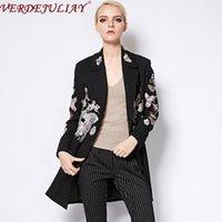 여성용 양모 블렌드 도매 여성용 겉옷 유럽 캐주얼 활주로 디자인 만화 패턴 긴 코트 모직 럭셔리 자수 빈티지 승리