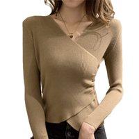 Suéteres de mujer QRWR 2021 Mujer Moda Sexy Cross V Cuello de manga larga Jerseys Punto con punto Botones elegantes Suéter básico