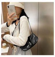 Yeni Retro Bayanlar Tekli Omuz Bulut Küçük Çanta Kadın Niche Trend Messenger Katı Renk Kore Sürüm