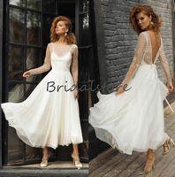 Открытый Короткие Пляж Свадебные платья с кружевом длинными рукавами Sexy Backless чай Длина Modest BOHO Свадебные платья 2021 Дешевые невесты платье Кельтский