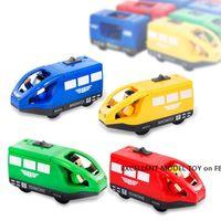Elektrische Lokomotive-Motor, bewegen Sie vorwärts rückwärts, Partybedarf, Jungenspielzeug, magnetische Verbindung, kompatibel mit der Zugspur, Weihnachtskindergeschenk