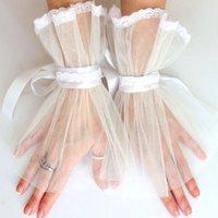 로맨틱 얇은 명주 그물 신부 장갑 짧은 레이스가 여성 장갑을 에지 공식 행사에 웨딩 장갑 신부 액세서리 손가락없이 손목 길이 AL6943