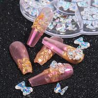 I monili del chiodo di arte della decorazione Strass Aurora resina dei fiori di farfalla nuovo 3D Arco-nodo Nail Ornamenti Accessori Manicure