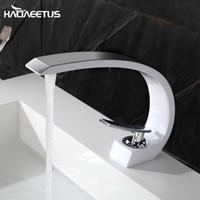 Torneiras de pia do banheiro Haliaeetus Bacia torneira de água fria Misturador de água preto Torneira Torneira Banh Lavabo Chrome