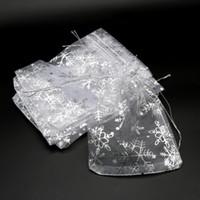 100PCS / 많은 화이트 오간자 가방 × 9 백 눈송이 졸라 매는 끈 주머니 선물 가방 포장 10x14 13x18cm 웨딩 크리스마스 사탕 선물