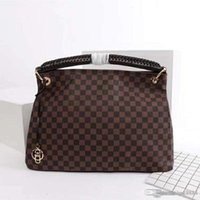 Women's one-shoulder bag handbag, leather production, large capacity, design bag, fashionable and generous number: 19.