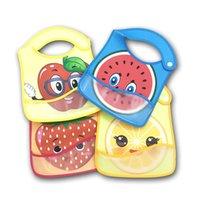 الرضع المرايل الطفل الكرتون التجشؤ الملابس تغذية مكافحة القذرة للماء PU منشفة اللعاب أبل الفراولة لطيف جميل الفاكهة بيب المريلات E8603