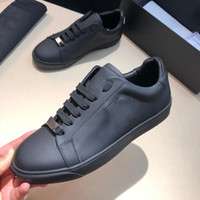 Men and women with the same early spring classic riveting casual shoes calf leather with wear-resisting sole sneakers Matching Packing