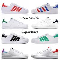 stan smith superstar الجملة 2020 أعلى جودة ستان سميث النجوم الرجال النساء شقة عارضة أحذية رياضية أخضر أحمر أزرق كحلي معدني فضي المدربين الرياضة في الهواء الطلق