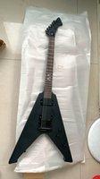 Personalizzato Heavy Metallic James Hetfield Vulture Guitar Guitar Matte Black V Chitarra elettrica Satin Pickup attivi finiti