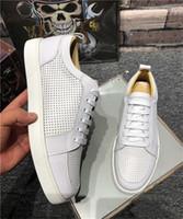 Top Quality 2019 Nueva llegada Fondos rojos para hombre Zapatos de mujer Suede de moda con espigas Mocasines Remaches Casual Vestido Botas Pisos Luxury Sneakers