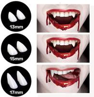 NEW Vampir-Zähne Fangs Zahnersatz Halloween Cosplay Props mit den Zähnen Pellets Kleber für Halloween-Kostüm-Partei-Bevorzugungen
