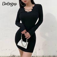 Darlingaga nervürlü Zinciri Uzun Kollu Sonbahar Kış Elbise Mini Moda BODYCON İnce Günlük Elbise Kadınlar Mini Siyah Elbise vestidos