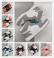 Klasik 1 S Kaykay Spor Ayakkabı Erkekler Kadınlar Için Yüksek Üst OG Sneakers Moda Deri Dantel-Up Rahat Ayakkabı Eğitmenler 36-44