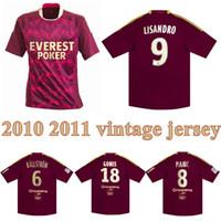 2011 2011 Lyon Retro Soccer Jersey 10 11 Lyonnais Lisandro Gourcuff Gomis Pjânico Lacazette Toulalan Vintage Camisa de Futebol Clássico