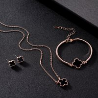 18K Rose Gold Plated Four Leaf Clover Necklace Bracelet Earrings Jewelry Set for Women Elegant Brides Luxury Wedding Jewelry Sets 3pcs set
