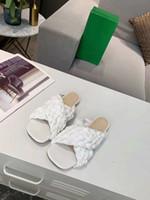 Yaz yeni Dört renk, siyah ve beyaz kayısı açık mavi alt, İtalyan suni deri enjeksiyon alt desi yüksek topuk sandalet dokuma