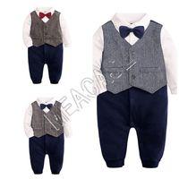 Niños Niños bebés Formal Gentleman partido de Brithday del mono del vestido del mameluco de la pajarita ropa del niño para niños esmoquin Trajes Bowtie Nueva d81204