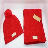 sombrero de Navidad estrenar de calidad superior caliente hombres y mujeres WGG invierno bufandas de ganchillo conjuntos sombrero caliente del casquillo del invierno Sombreros Bufandas Conjuntos