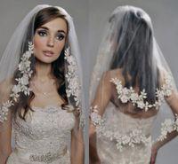 Vintage zwei Schichten Brautschleier 2021 Luxus-Spitze-wulstige Günstige Voile Mariage Hochzeit Zubehör vorrätig