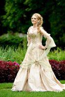 Vintage Gold Gothic De Mariage Robes Princesse Corset à manches longues Country Jardin Robe de mariée Celtique Renaissance Cosplay Robes de mariée Boho