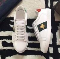 Beyaz Arı Işlemeli Ayakkabı Erkekler Deri Yeni Moda Lüks Yılan Kaplan Baskı Erkek Bayan Tasarımcılar Sneakers Erkek Kadın Lovers Kadınlar için Ucuz