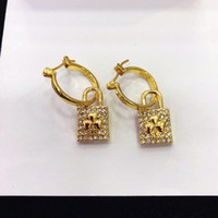 D, the new gold clover diamond stud earrings female red high quality earrings, factory direct sales, home free shipping