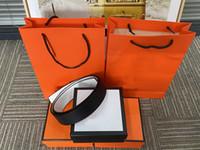Cinturones nueva moda para hombre de la correa de cuero Cinturones Cinturones Negro Mujeres de Negocios de Gran hebilla de oro para mujer clásico Ceinture informal con naranja Box