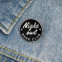 Presentes Qihe JÓIAS Book Club esmalte lapela Pins Night Owl projeto original aos amigos Broches emblemas de atacado