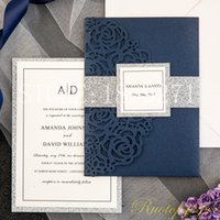 Azul marino elegante de Rose del corte del laser de bolsillo invitaciones de la boda Freeprinting Con fondo de color brillo y Bandas del vientre del brillo y etiquetas