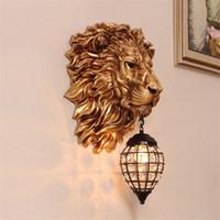 유럽 레트로 골드 라이온 벽 램프 빈티지 크리스탈 벽 보루 전등 거실 침실 계단 바 실내 벽 램프 AC
