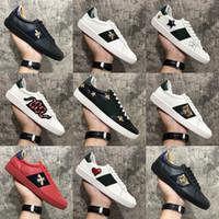 2020 Nueva llegada de la manera de los hombres ocasionales de las mujeres zapatos de las zapatillas de deporte de calidad superior del cuero genuino abeja bordada